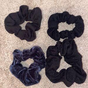 🍄Set of 4 Black Scrunchies
